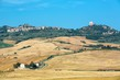 Detalii fotografie typical view of the tuscan countryside at harvest time