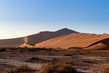Detalii fotografie beautiful sunrise landscape of hidden dead vlei in namib desert best place of namibia