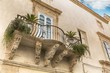 Details der Fotografie balcony with baroque decorations in a house of syracuse sicily