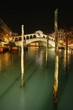 Detalii fotografie rialto bridge at night venice italy