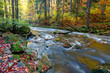 Detalii fotografie czech mountain wild river doubrava in czech republic with slow shutter speed valley in beautiful autumn fall colors picturesque landscape