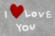 Dettagli della fotografia inscription i love you with abstract heart on the concrete wall