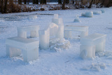 Sit-down with fireplace sculpture made ​​of ice