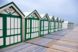 Fotografia Wide angle view of wooden beach huts