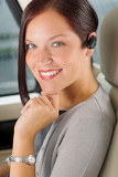 Photo Executive businesswoman luxury car call hands-free