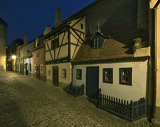 Photo Golden lane in night - Prague castle