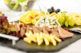 Fotografia Catering buffet cheese plate with pate