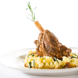 Lamb knee in sauce with mashed potatoes