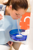 Photo Dental patient woman spit water after treatment