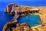 Fotografie Summer. Bay of St. Paul, the city of Lindos. Rhodes Island - Greece.