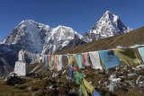 Fotografie himalayas buddhist prayer flags and six thousand cholatse