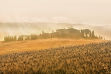 Fotografie early morning on countryside san quirico d
