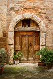 Photo old doors of tuscany italy