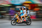 Photo Asian motorcycle driving