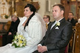 newlyweds registry judge at the ceremony in the church