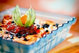 Fotografie baked pasta with quark and cranberries