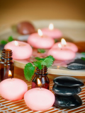 Fotografia spa and wellness  massage accessories  pebbles and essential oil
