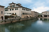Fotografie ancient roman thermal  baths in tuscan town of bagno vignoni