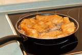 Photo delicious carp  fillets roasted in the frying pan