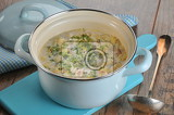 Photo creamy soup with chinese cabbage