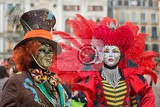 Fotografie venice italy  february 27 2014 unidentified person with venetian carnival mask in venice italy on february 2014 in 2014 was the venetian carnival held between 15 february and 4 march