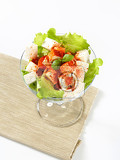 Fotografie diced feta cheese with fresh vegetable salad