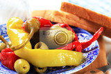 Photo pickled vegetables with white bread