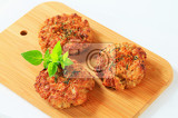 Fotografie fried vegetable burgers on cutting board