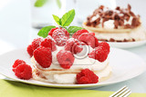 Fotografie pancakes with sweet creamy cheese and fresh raspberries