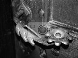 Fotografia Door handle, history, metal, wood. Moravia - Beskidy.