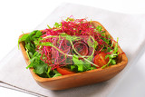 Fényképek mixed green salad with pea and beetroot sprouts