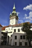 Fotografie the city of brno  czech republic  europe gate of the old city hall a photo of the beautiful old architecture and tourist attraction with a lookout tower tourist information center