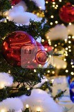 Fotografie colorful christmas decoration winter holidays and traditional ornaments lighting chainsbulbs for seasonal background