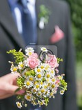 Fotografie bridal bouquet beautiful nosegay in hand of bride
