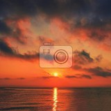 Fényképek beautiful sunrisesunset by the sea at the beach romantic landscape concept for summer