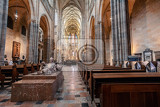 Fotografia interior of pragues gothic jewel st vitus cathedral at prague castle most important cathedral in czech republic